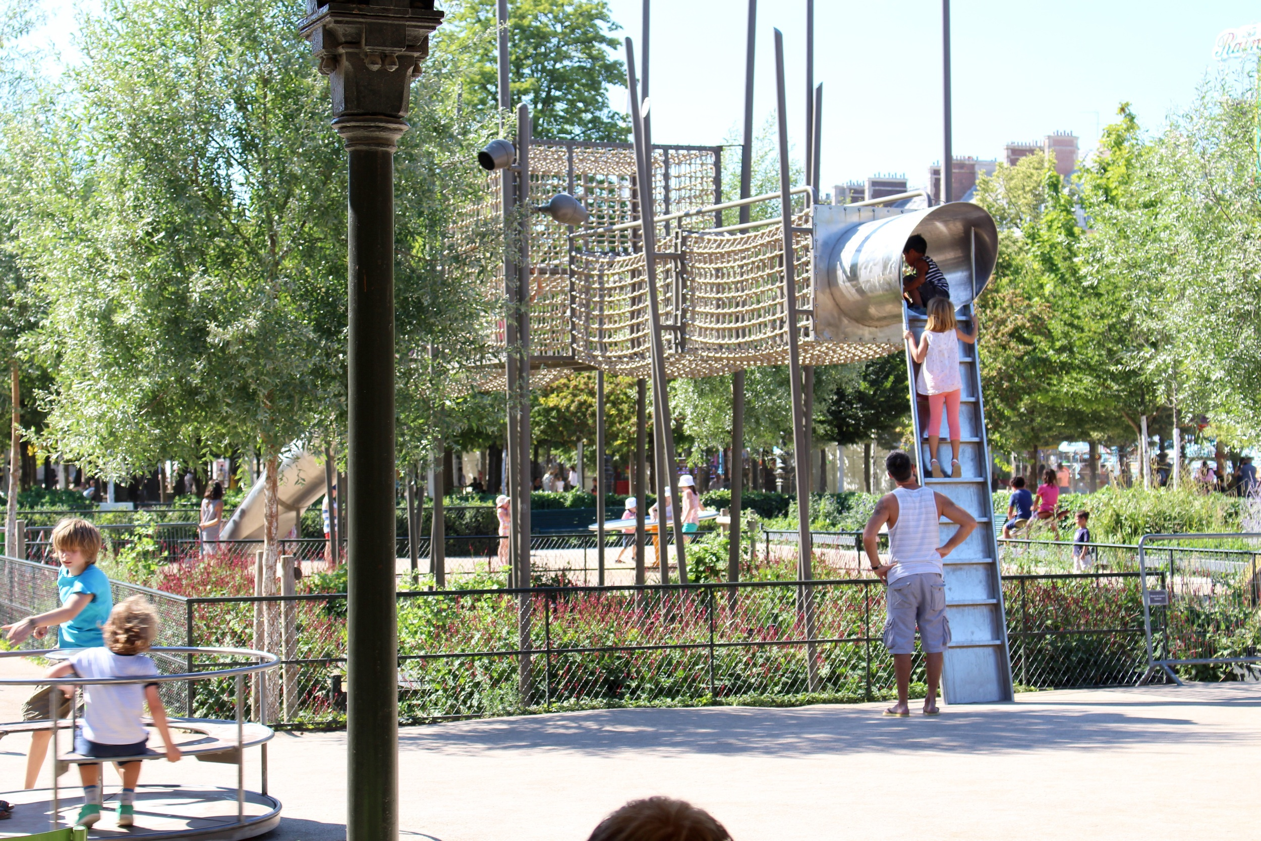 Aire des Jeux, view from the covered patio, Jardin des Tuileries