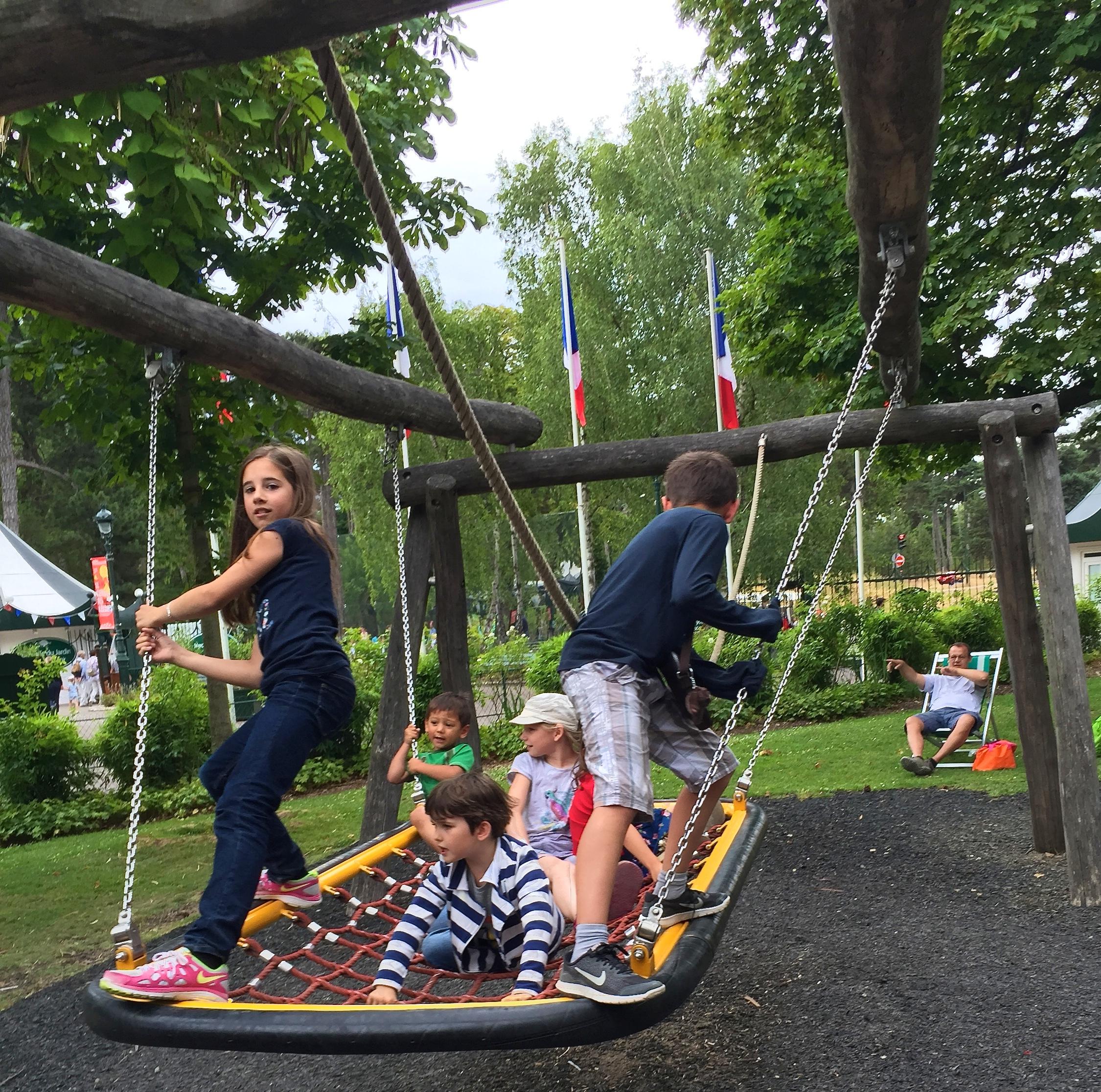 Swinging in the  Jardin d'Acclimatation , Paris