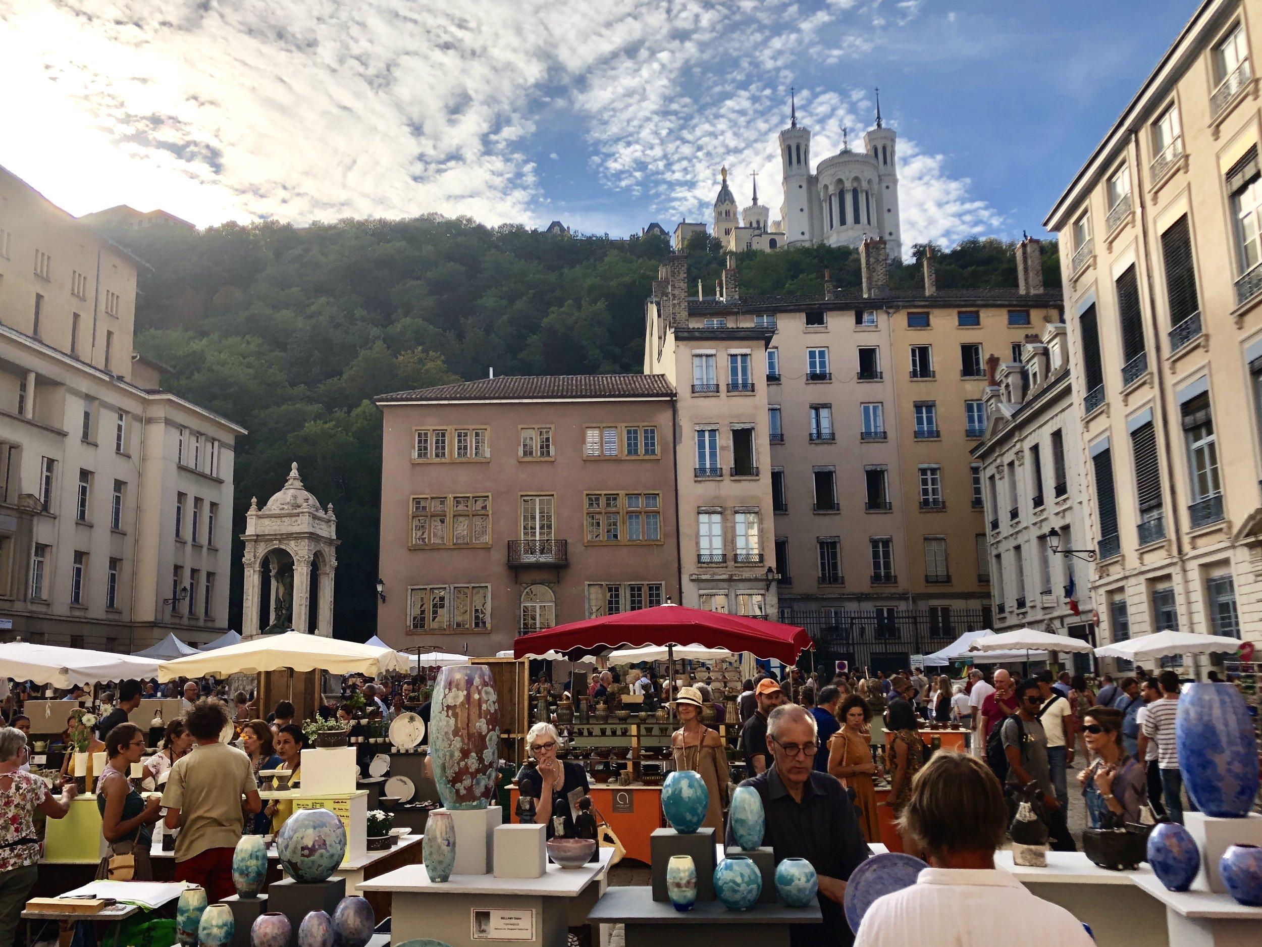 Les Tupiniers, the pottery show at Place Saint Jean, Vieux Lyon