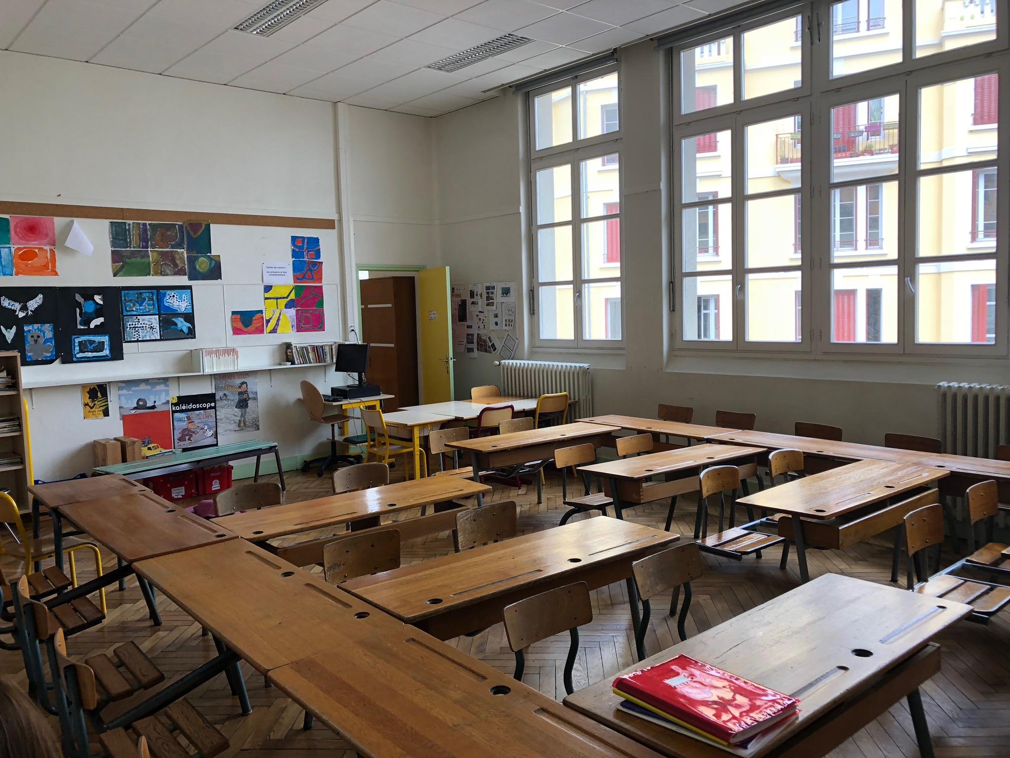 A Lyonnais classroom
