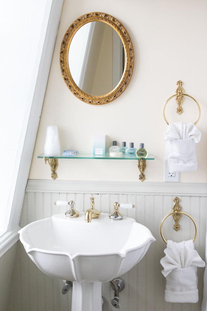 SH312 Bathroom.jpg