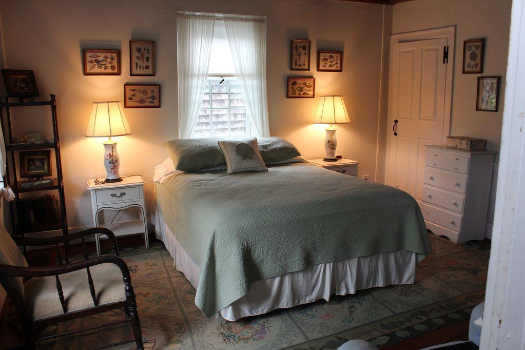 Queen Bedroom 2 with shared bathroom