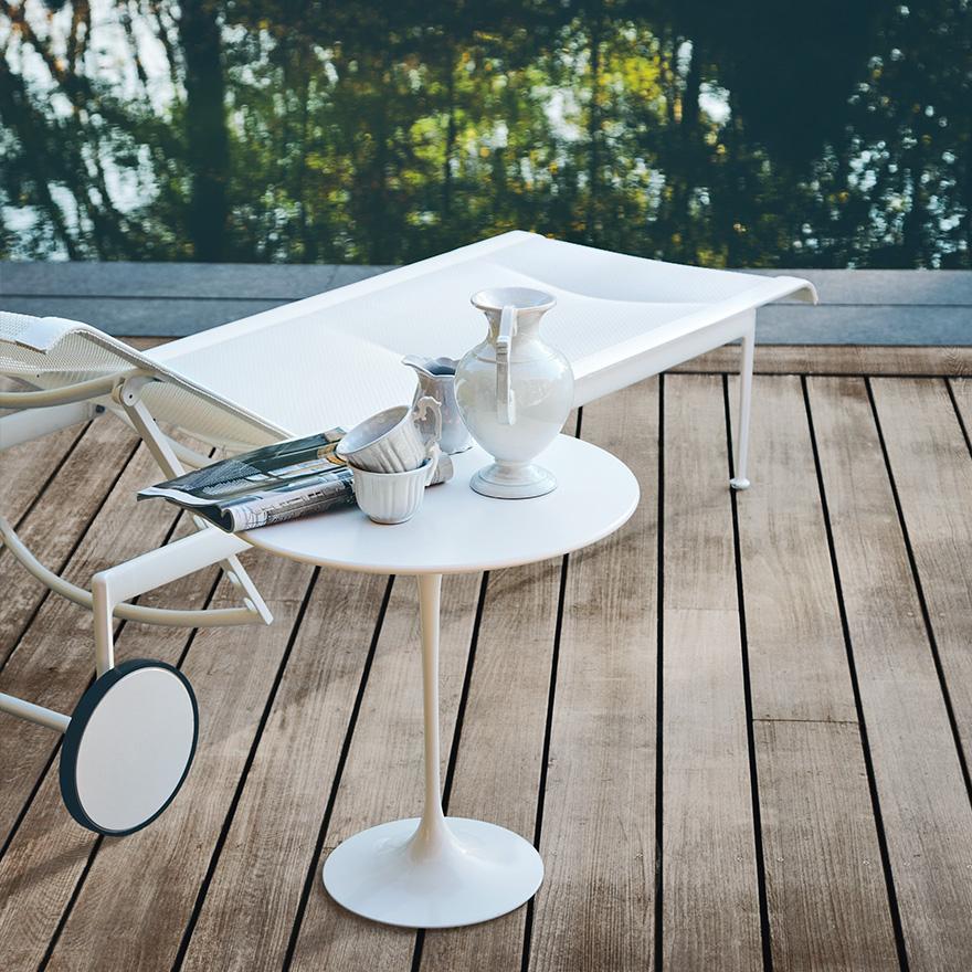 Guéridon Saarinen pour l'extérieur  à partir de  907€  771€