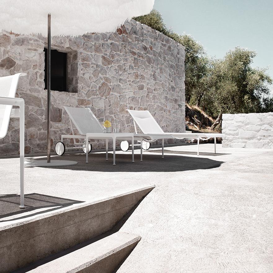 Chaise longue réglable de Schultz 2589€  2200€