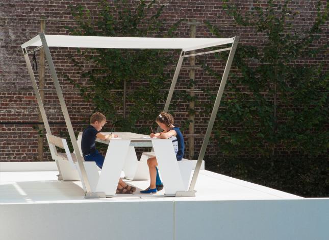Table Hopper  à partir de  7000€   5950   €