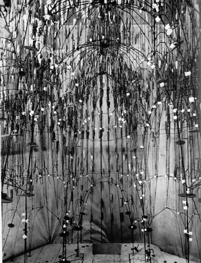 Image: Gaudi's structural wire-model for the Sagrada Familia, Antoni Gaudi, New York, 1961