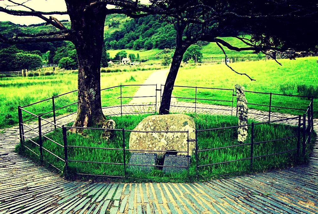 Gelert's Grave.jpg