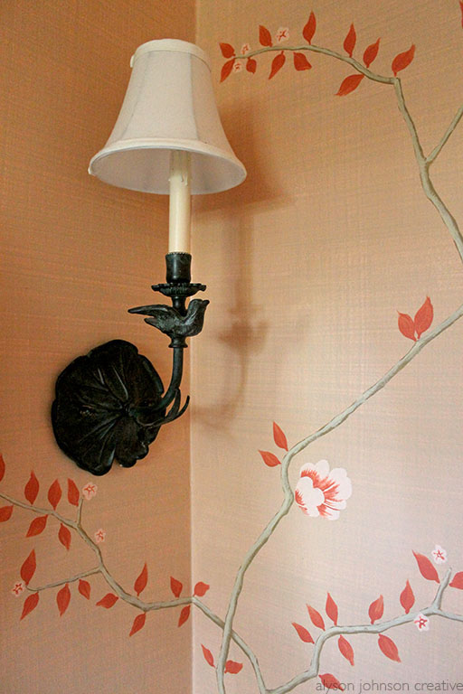 Chinoiserie Mural, sconce detail