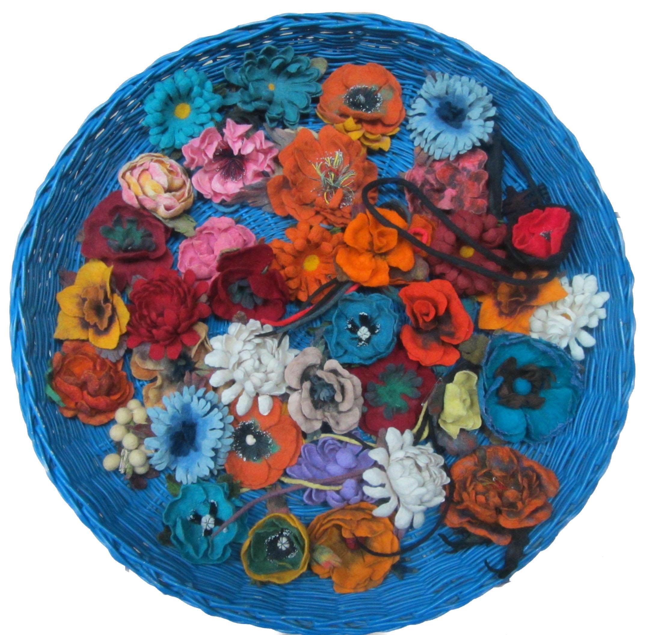 felt flower jewelry.jpg