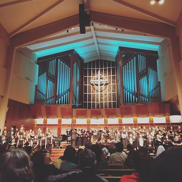 Glad I was able to make it out to #universityofthepacific concert tonight! Love these voices singing their hearts out. Obviously lots of talent and fun on this warm California night (not to mention that I saw some G R E A T Renaissance costumes from Davis High School Madrigal Singers! 💯) . . . #music #classicalmusic #voice #choir #choirconcert #mixedensemble #musician #educator #stockton #musicnerd #conservatory #travelingmusician #passion #inspired  #sacramento #uopchoirs