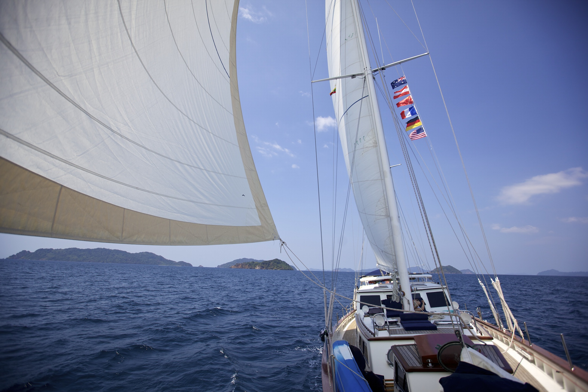 Meta IV sailing with good wind
