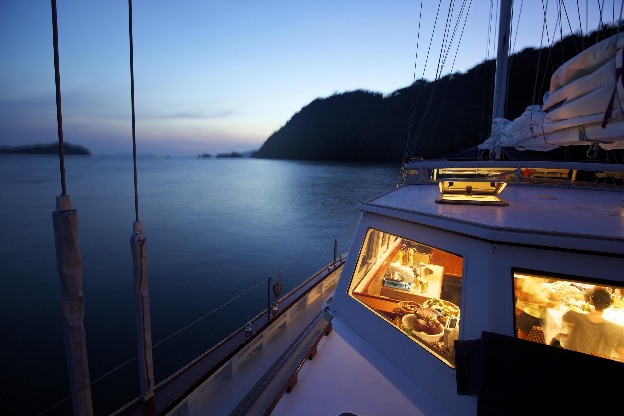 Meta IV at anchor, dinner time