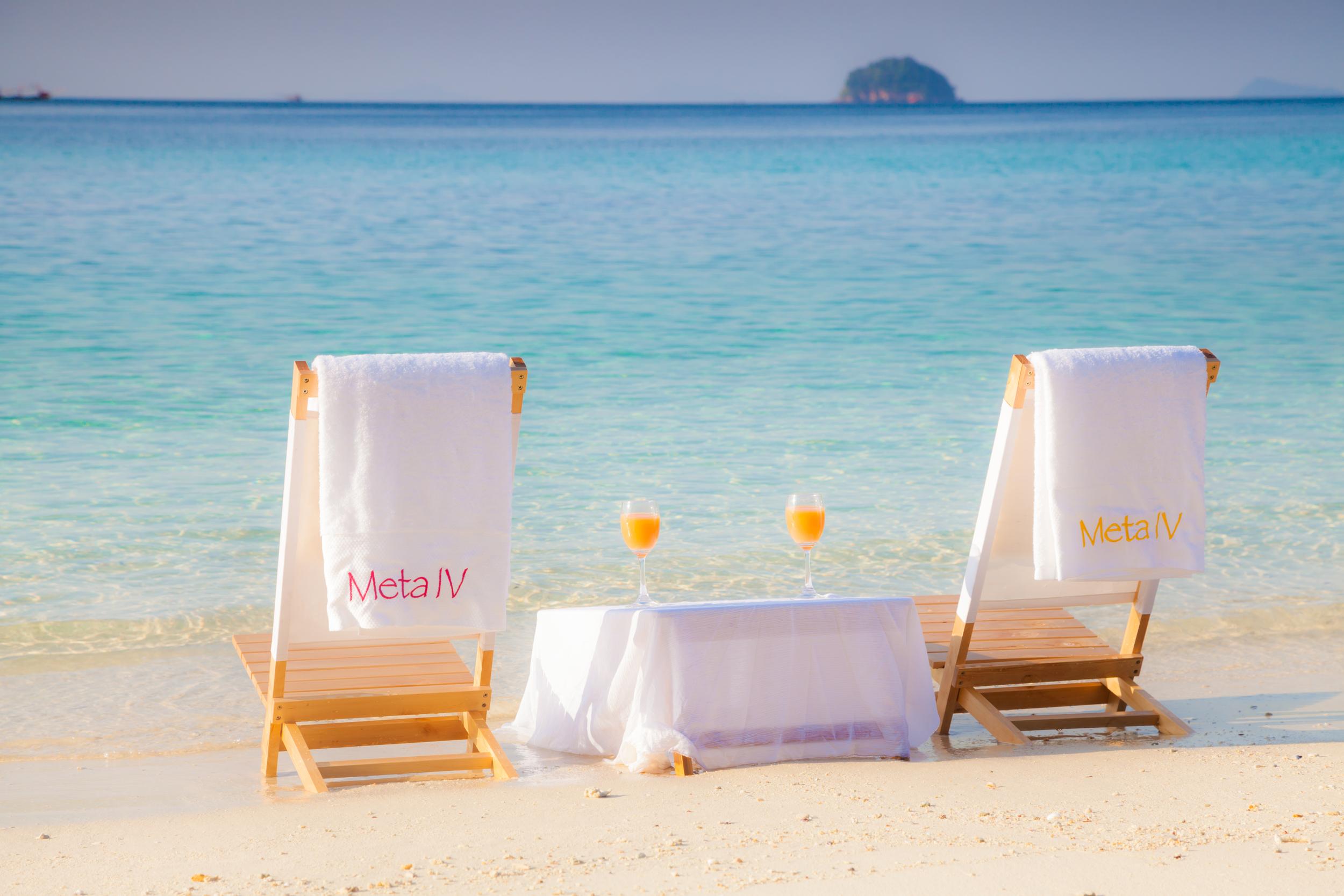 BB_MetaIV_at_the_beach3.jpg