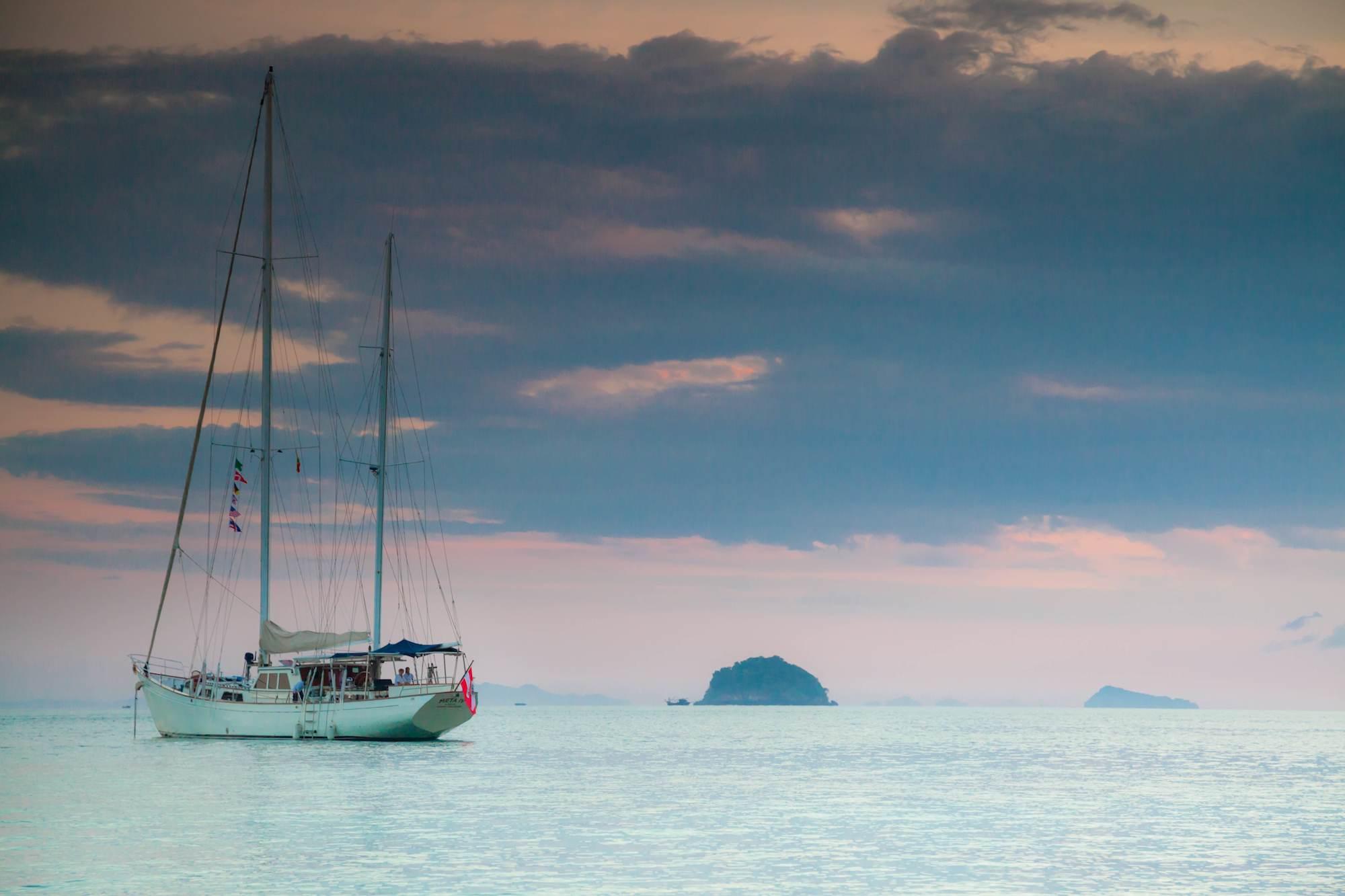 MetaIV_sailing_yacht_Myanmar_islands.jpg