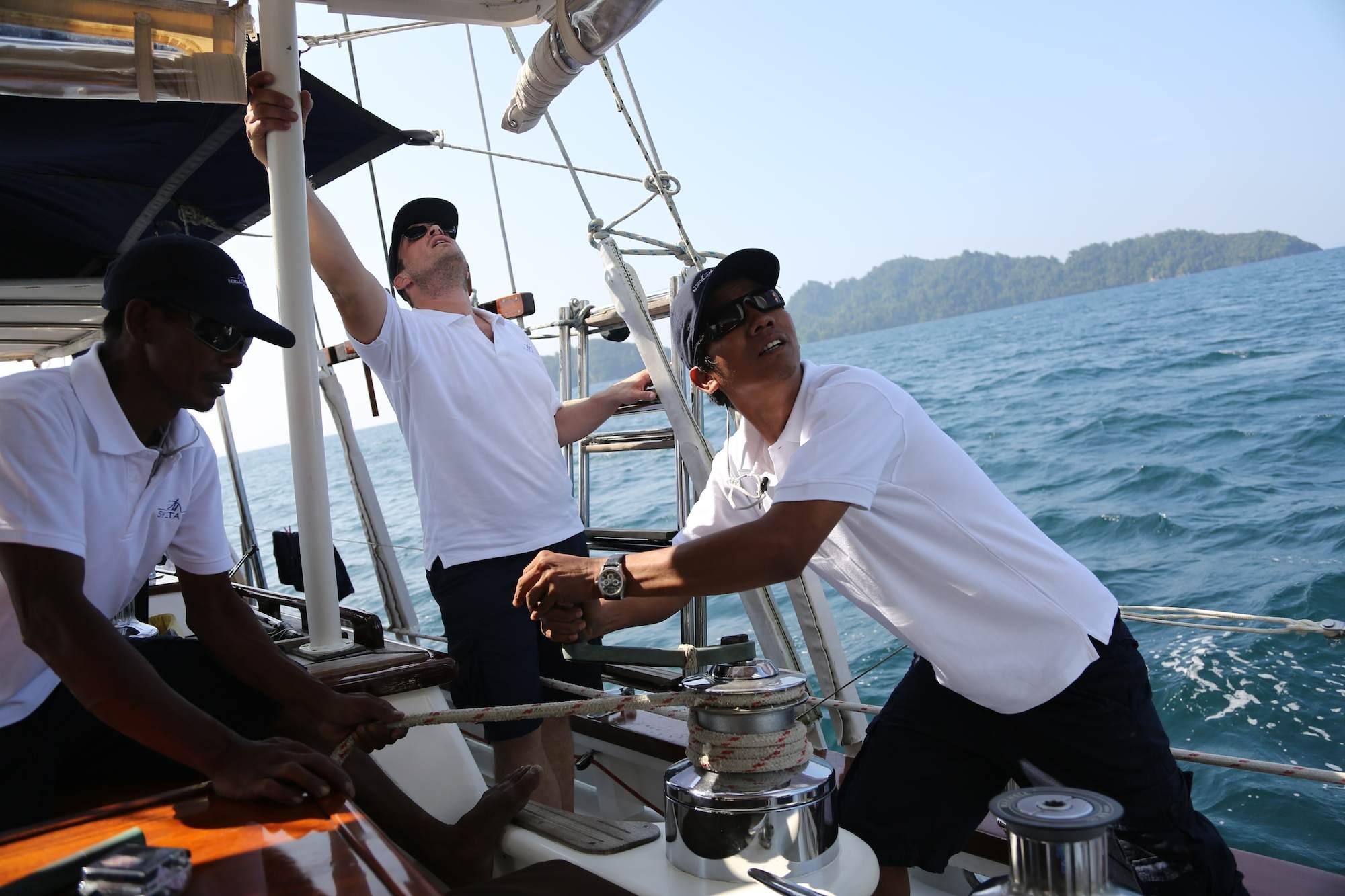 BB_crew_sailing_action.jpg