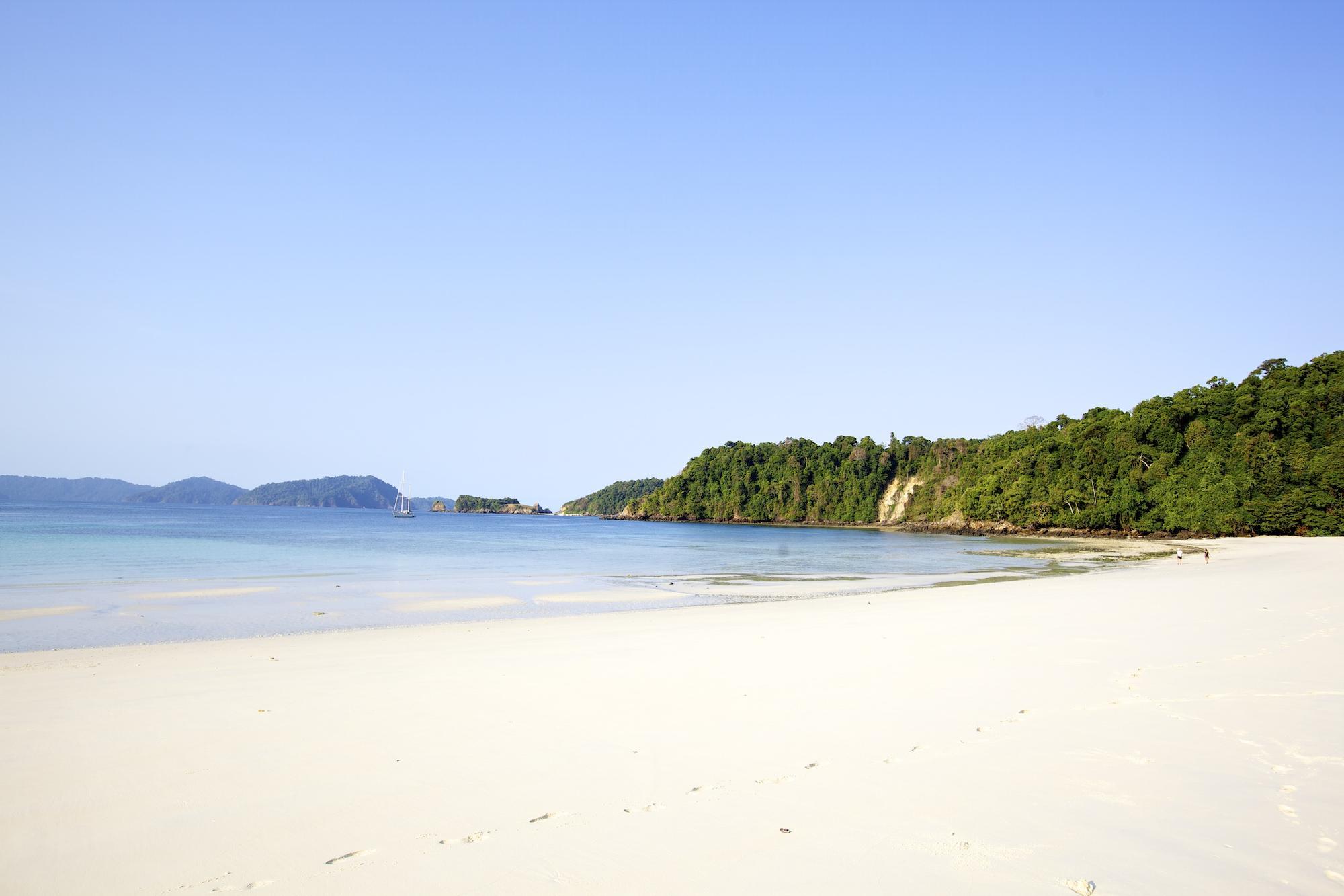 BB_Mergui_empty_beaches_3.jpg