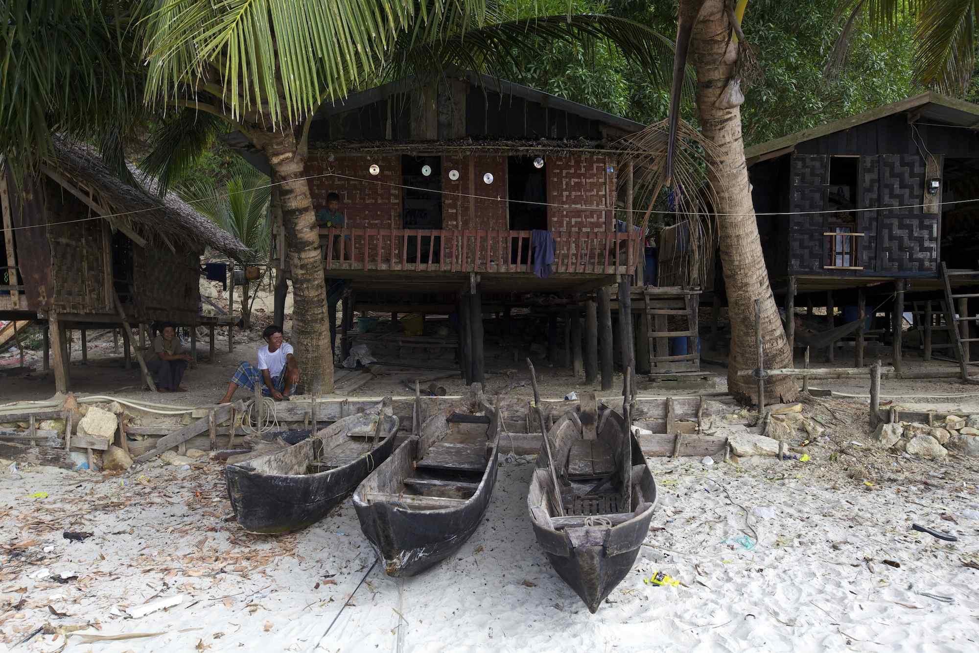 dugout canoes mergui beach.jpg