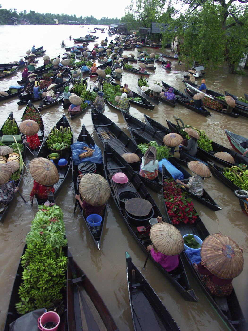 Floating market on Borneo sailing yacht charter.jpeg