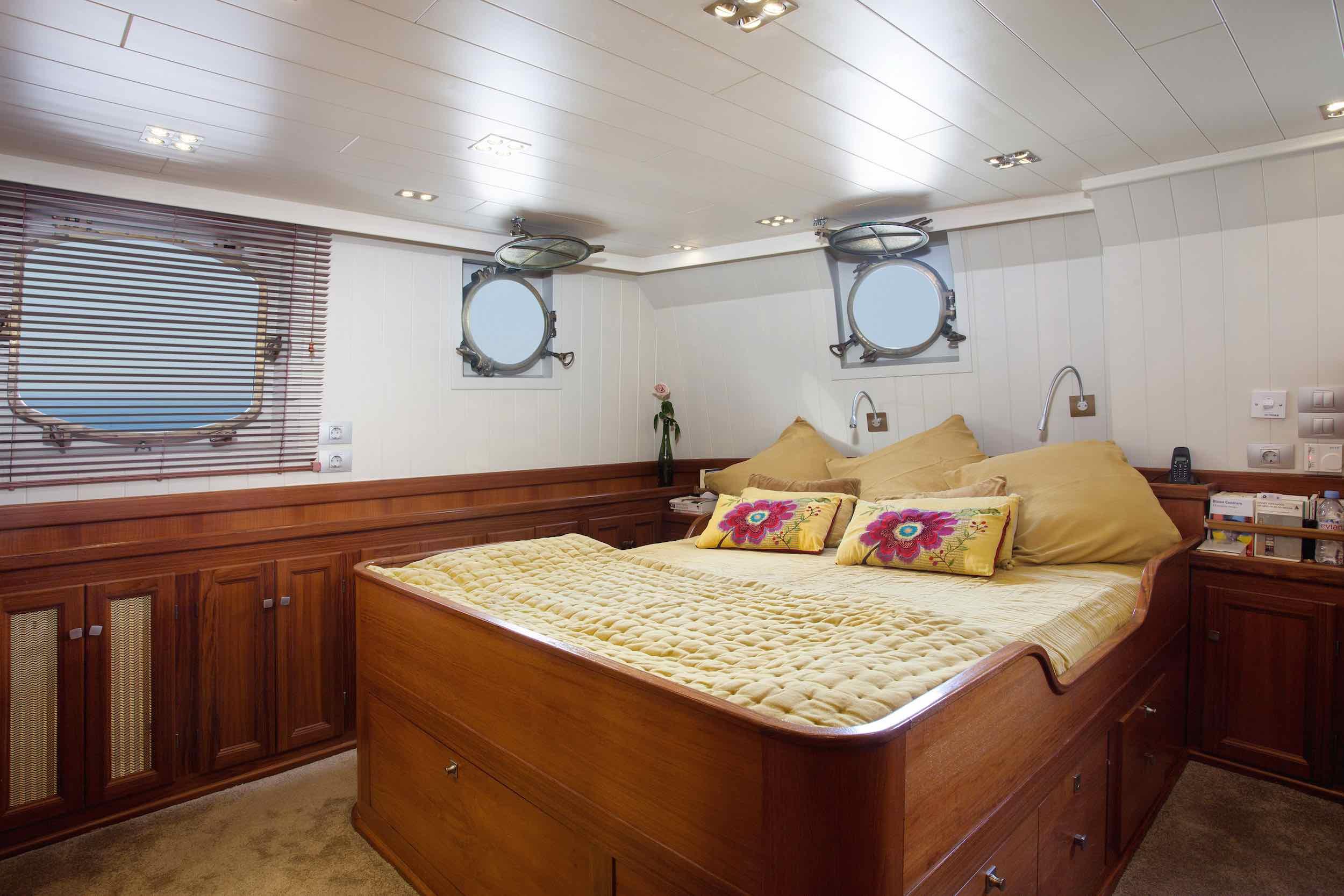 Motor yacht Drenec large cabin.jpeg