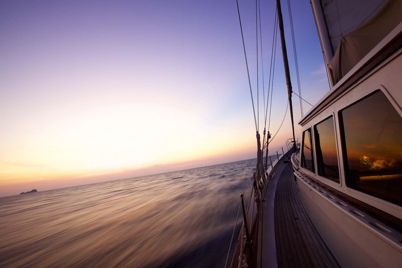 Sailing Clinic yacht in the sundown paradise islands.jpeg