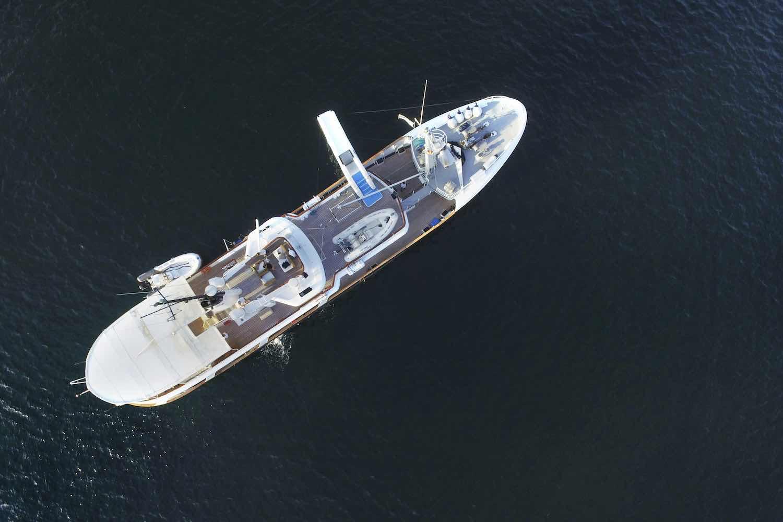 cruising seychelles yacht drenec.jpeg