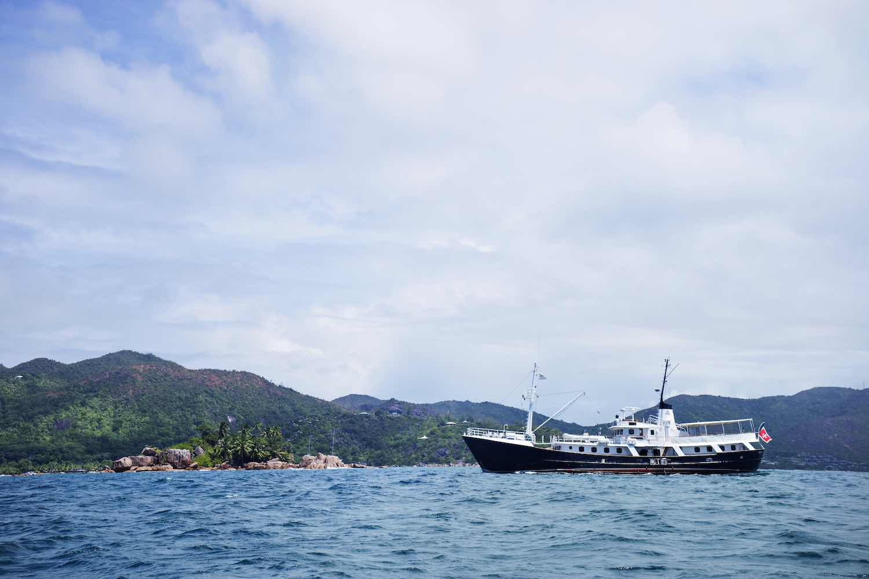yacht charter mahe island.jpeg