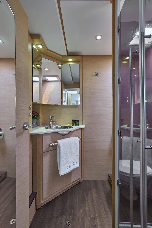 Meltemi bathroom XS.jpg
