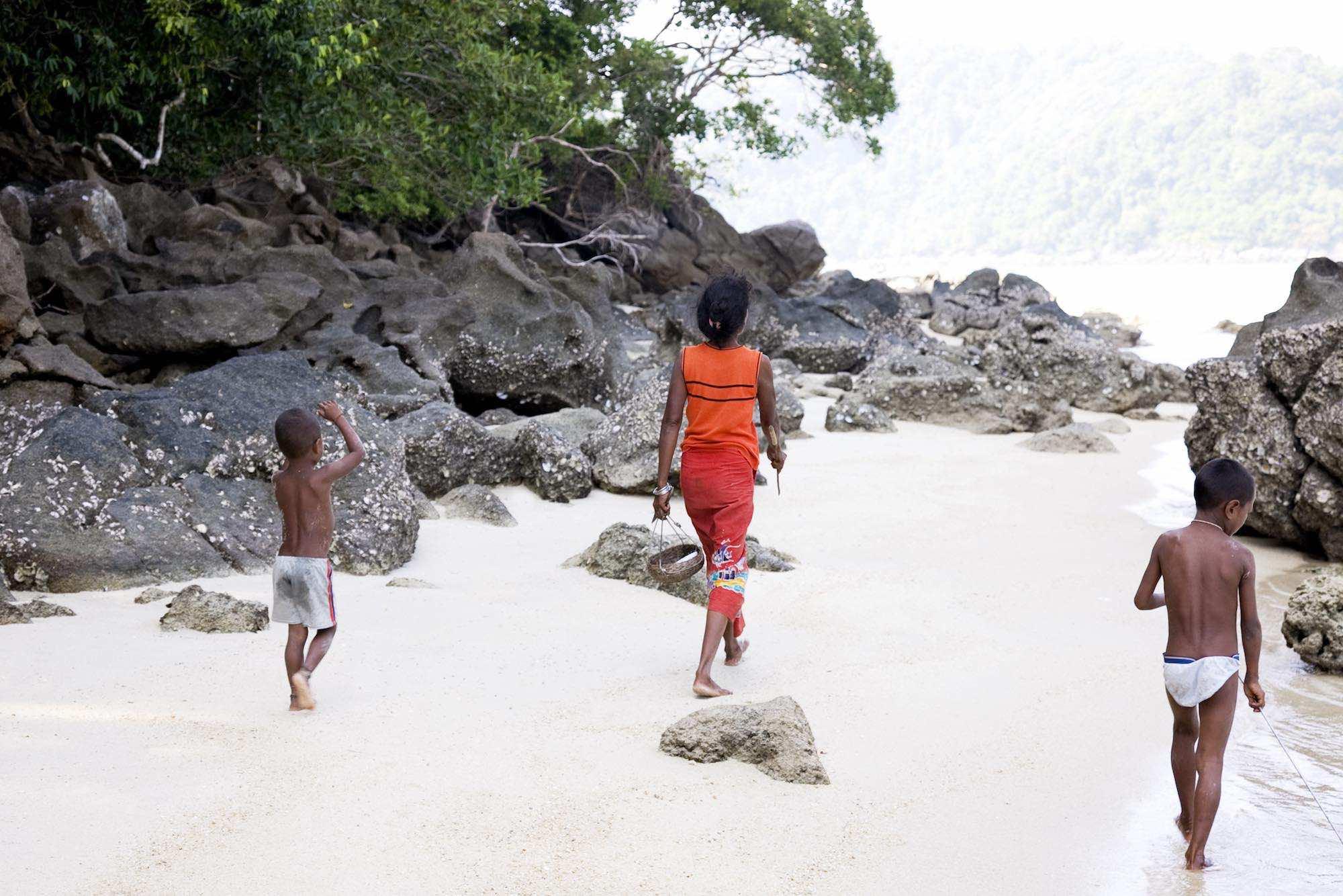 28.Sabai and the boys on an island - off to gather shellfish.jpeg