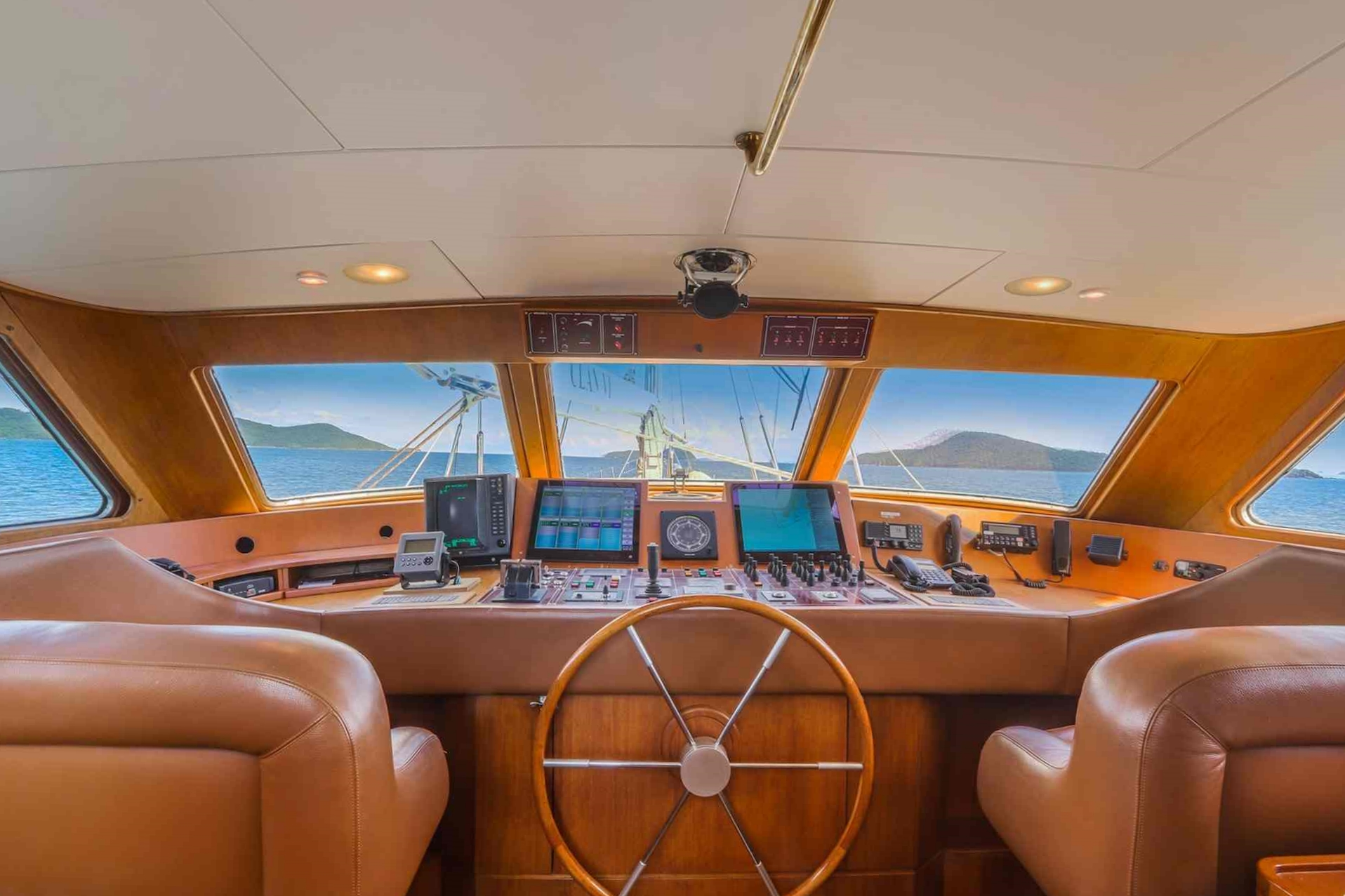 Clan VI_pilot house sailing in Mergui_XS.jpeg