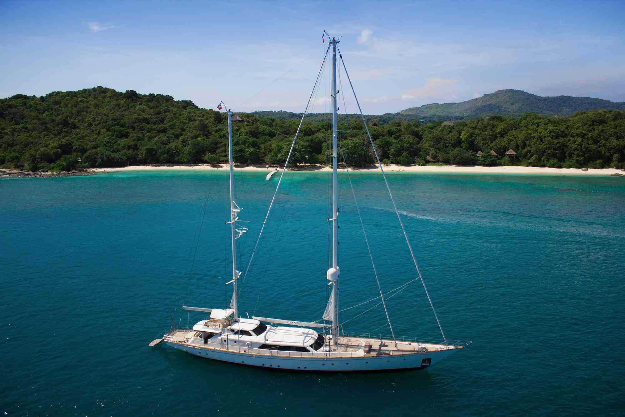 Clan VI_sailing along the coastline of an island_XS.jpeg