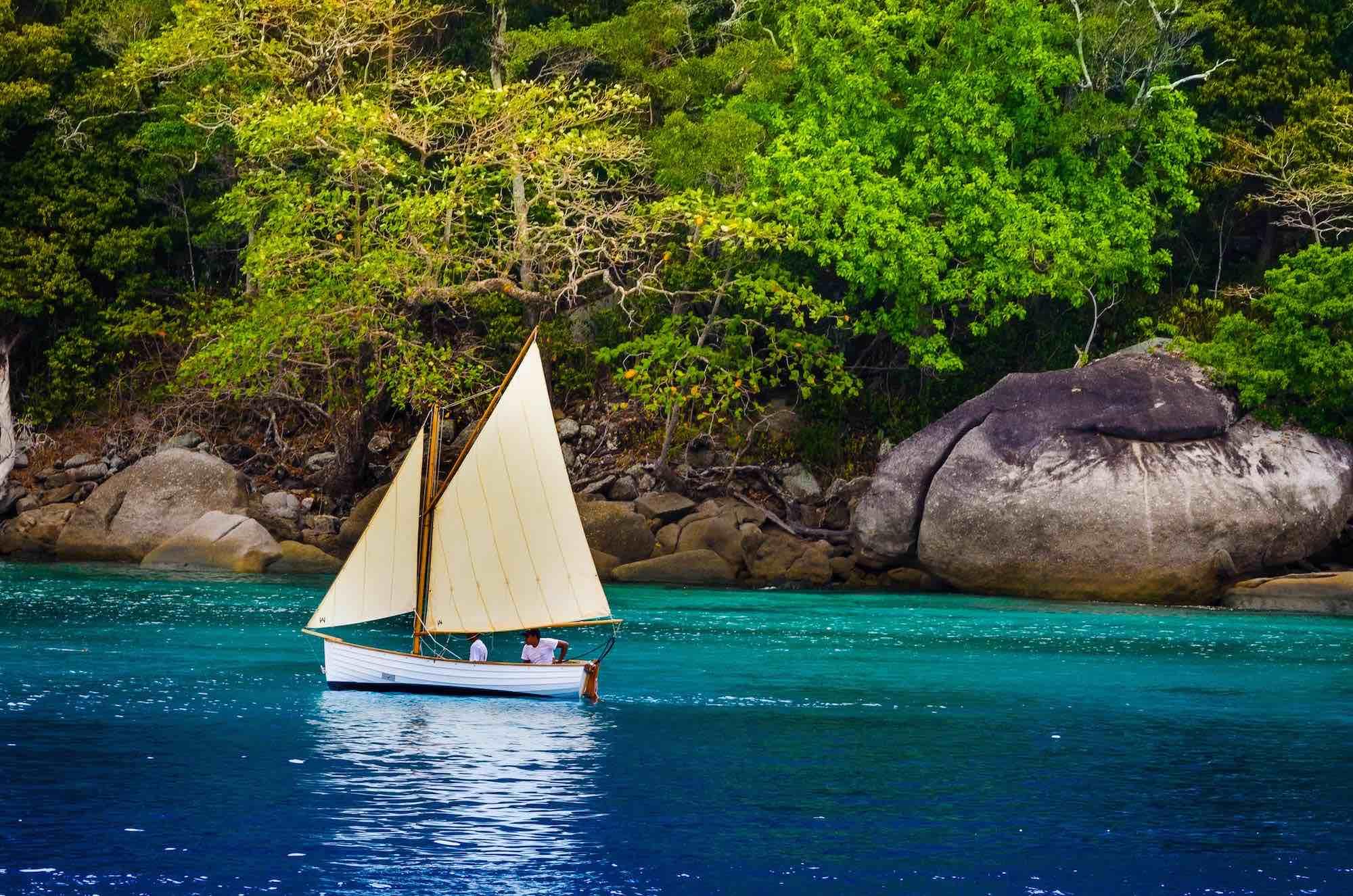 Dallinghoo_ELSA sailing holiday on emerald blue waters near lush island in Myanmar_XS.jpeg
