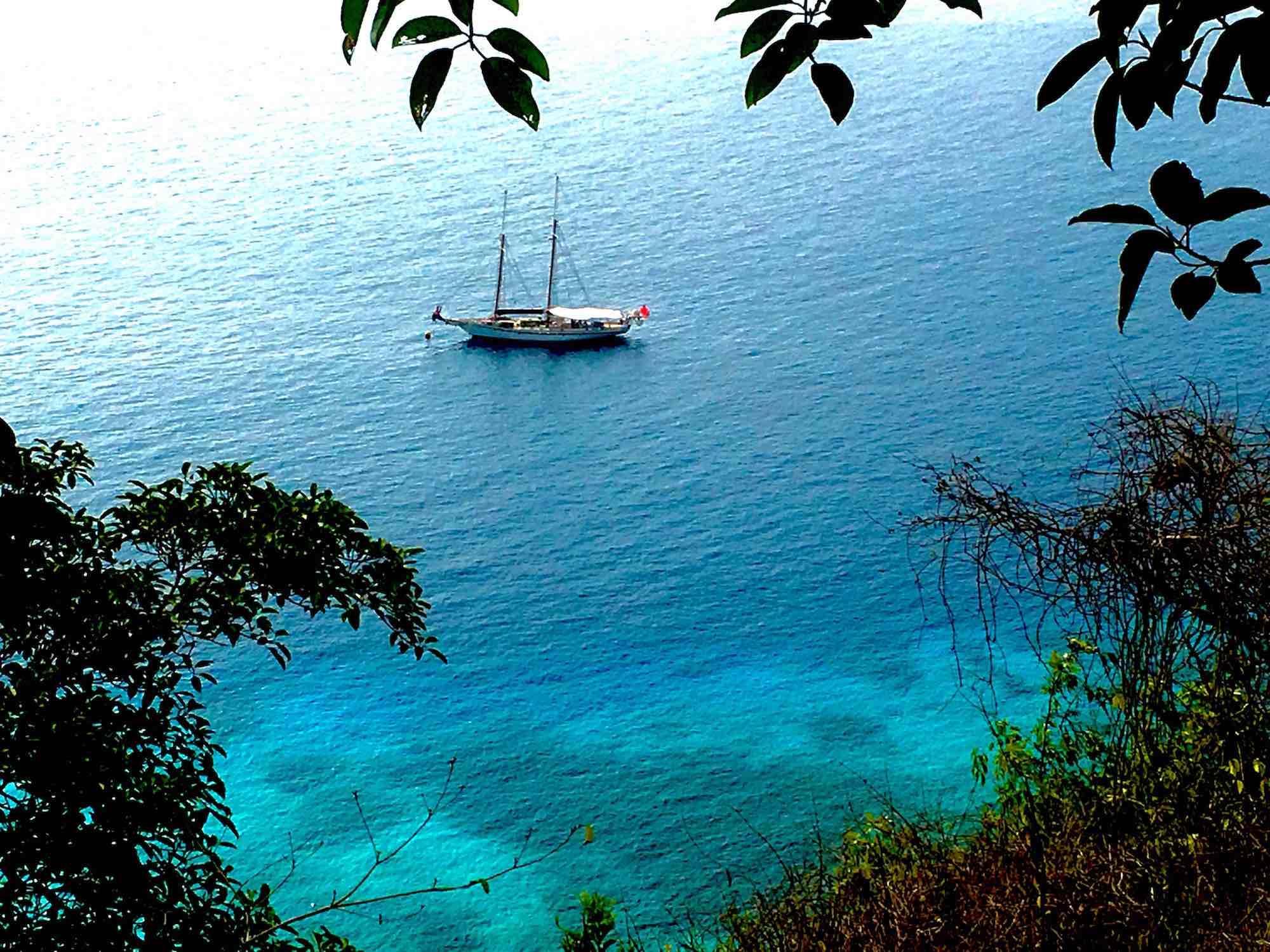 Dallinghoo_shot from island sailing on crystal blue waters in Mergui Myanmar_XS.jpeg