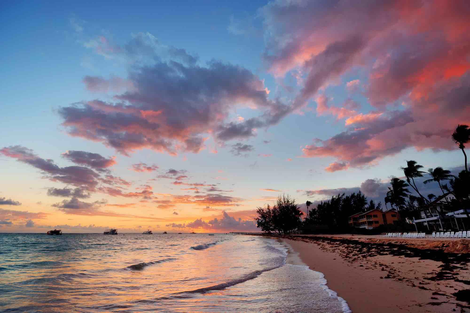 Andaman Islands_sailing along a beautiful beach rosy cloud sunset_XS.jpeg