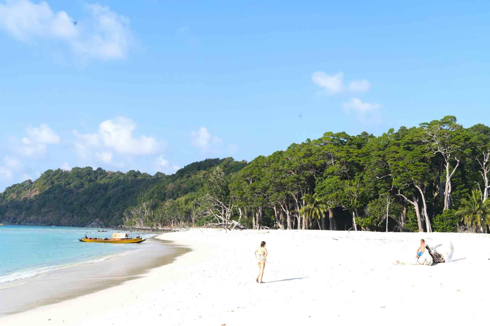 Andaman Islands_white sand green island yacht trip_XS.jpeg