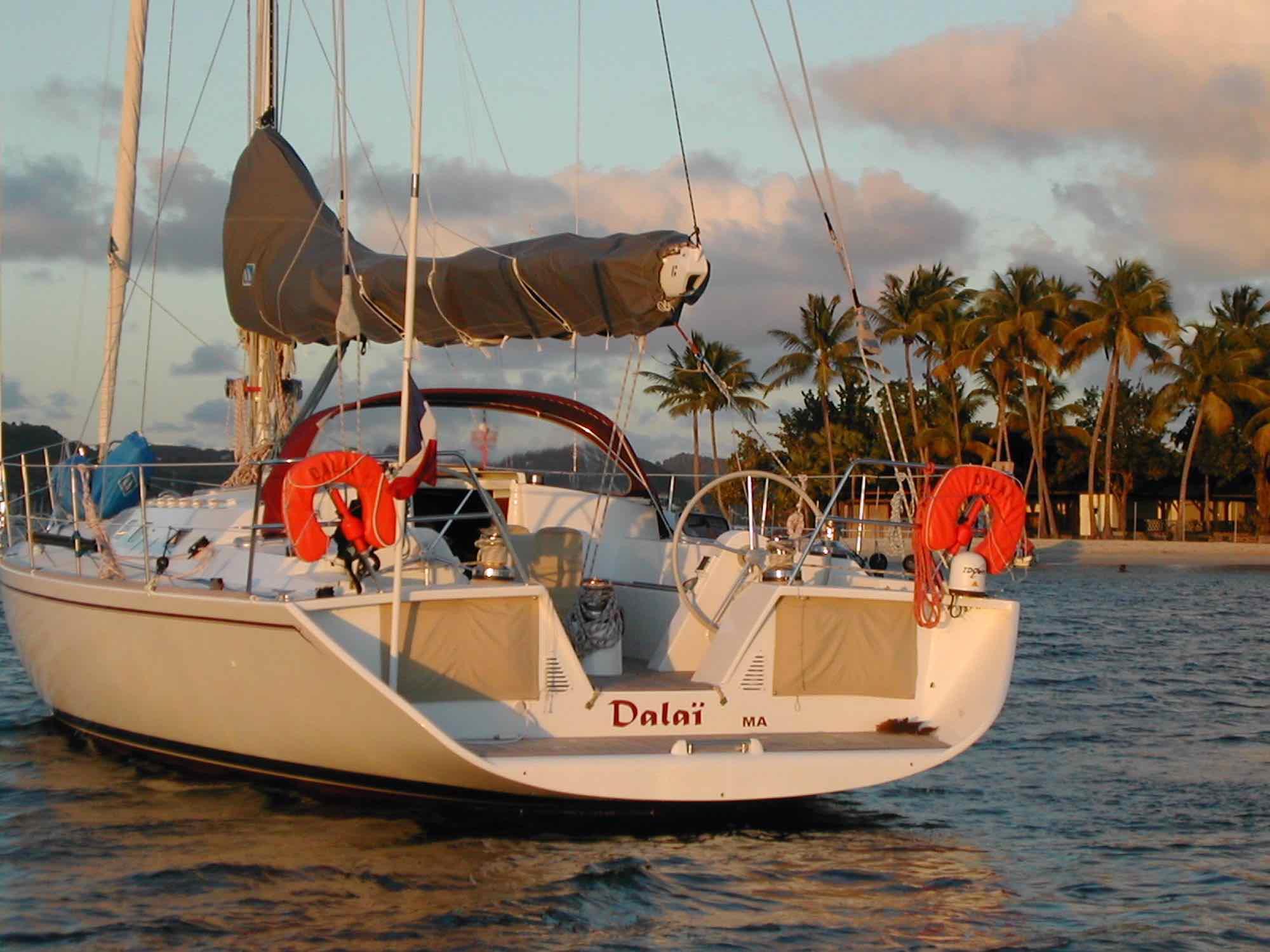 Dalai_closeup of yacht Dalai anchoring by green island in Mergui_XS.jpeg