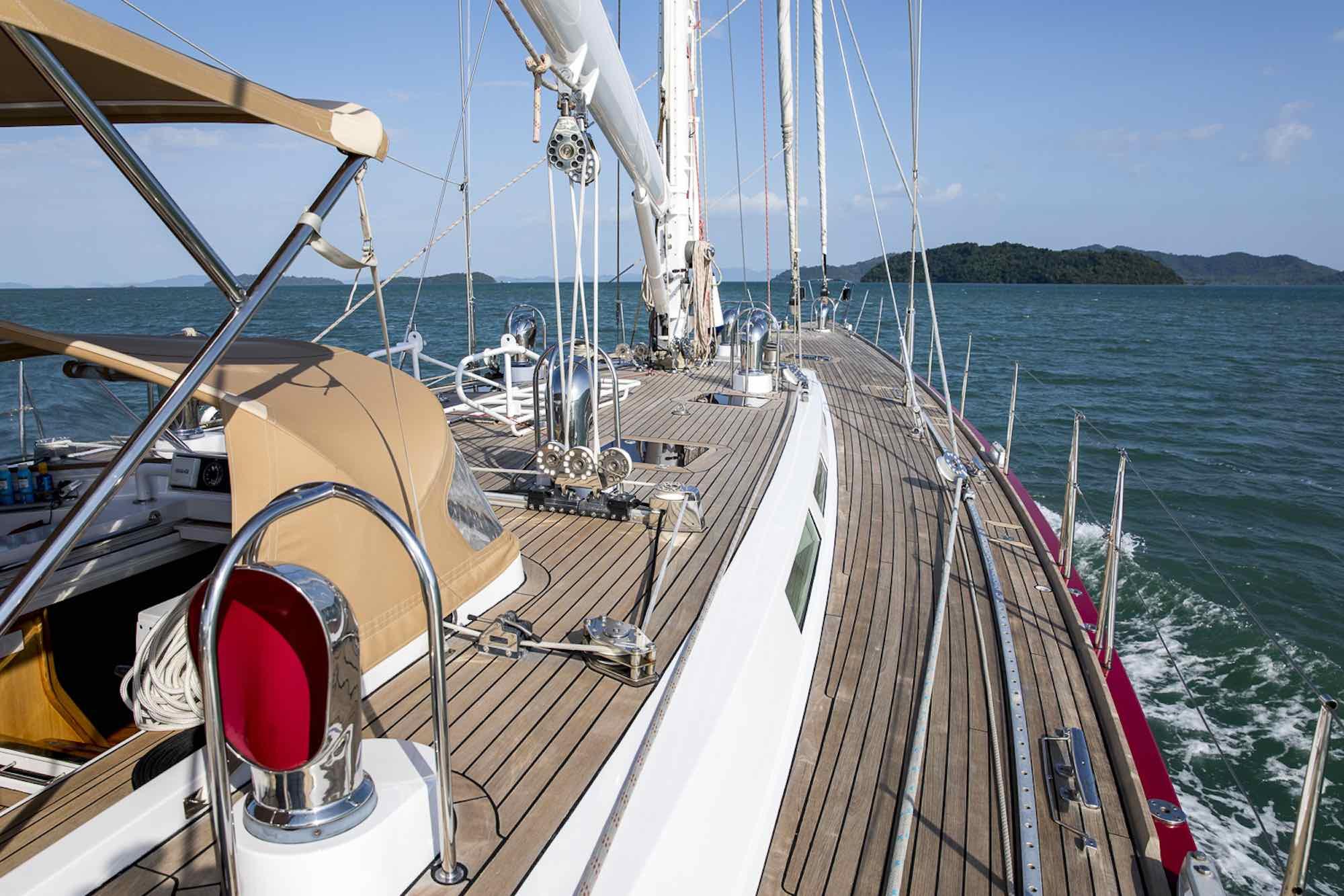 Aphrodite_promenade deck starboard sailing toward leafy islands_XS.jpeg