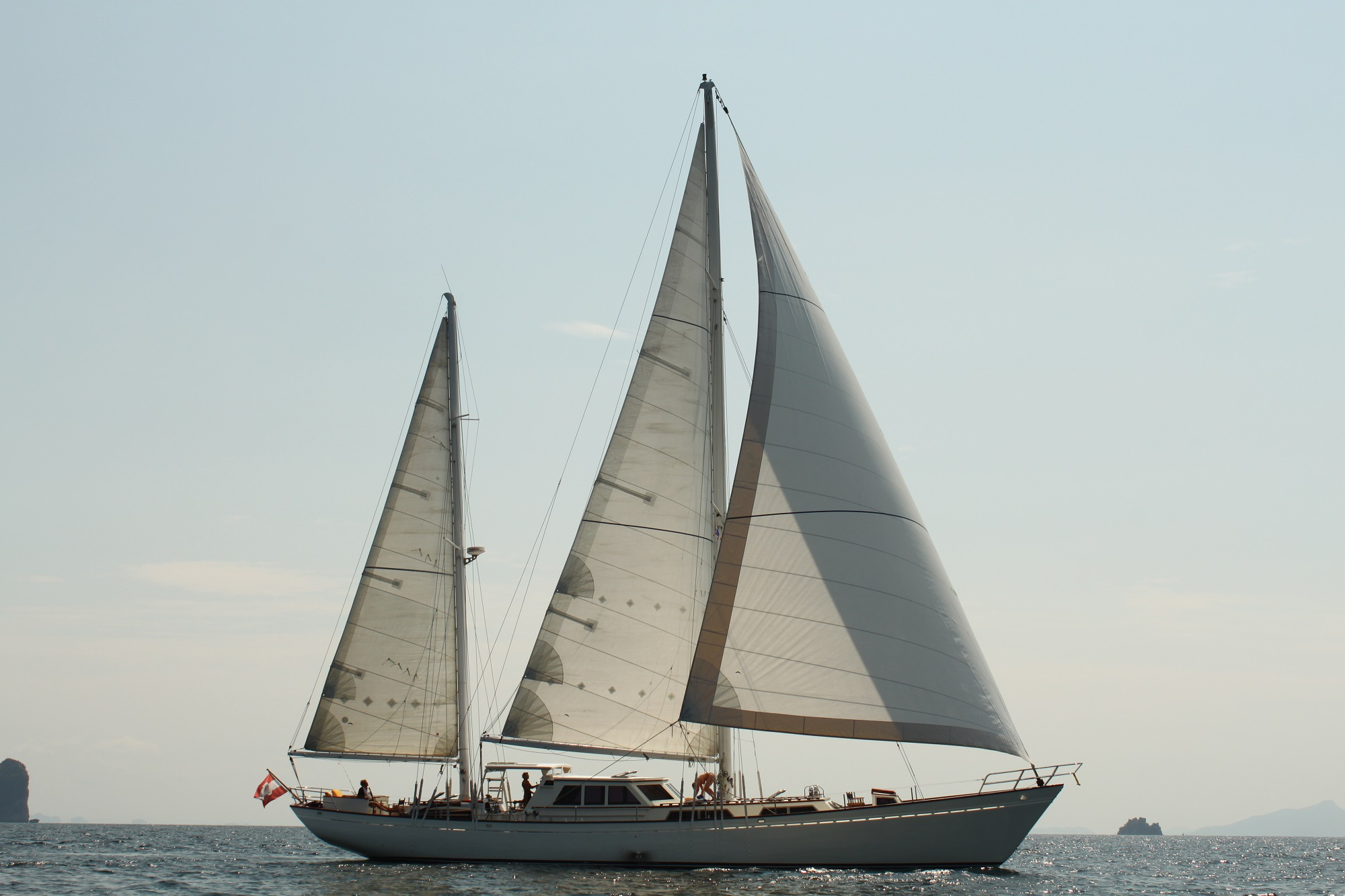 BB_MetaIV_under full sails3.JPG