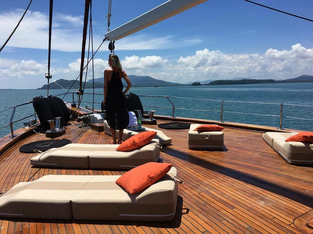Orient_Pearl_deck.JPG