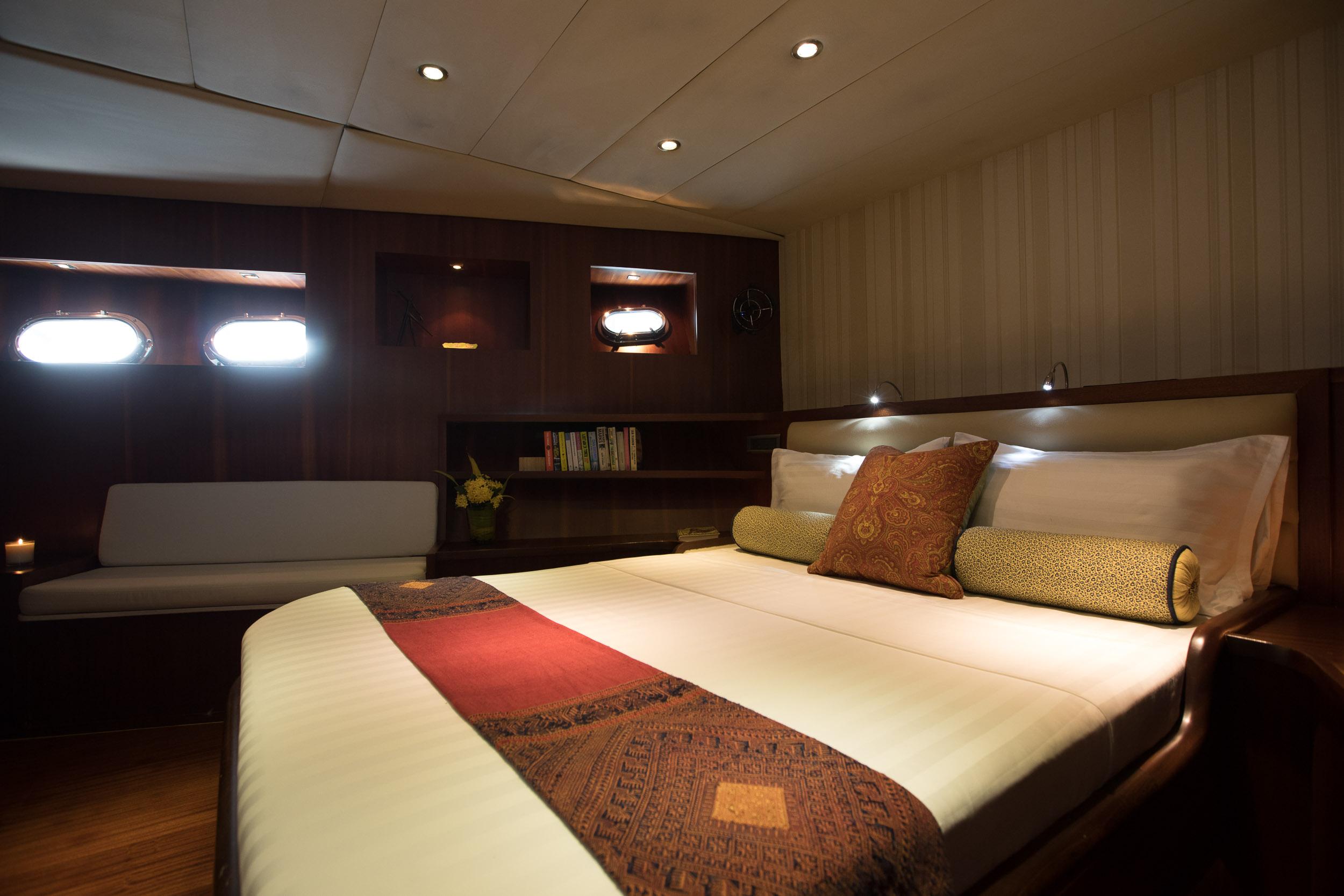 Orient_pearl_Owner_suite.jpg