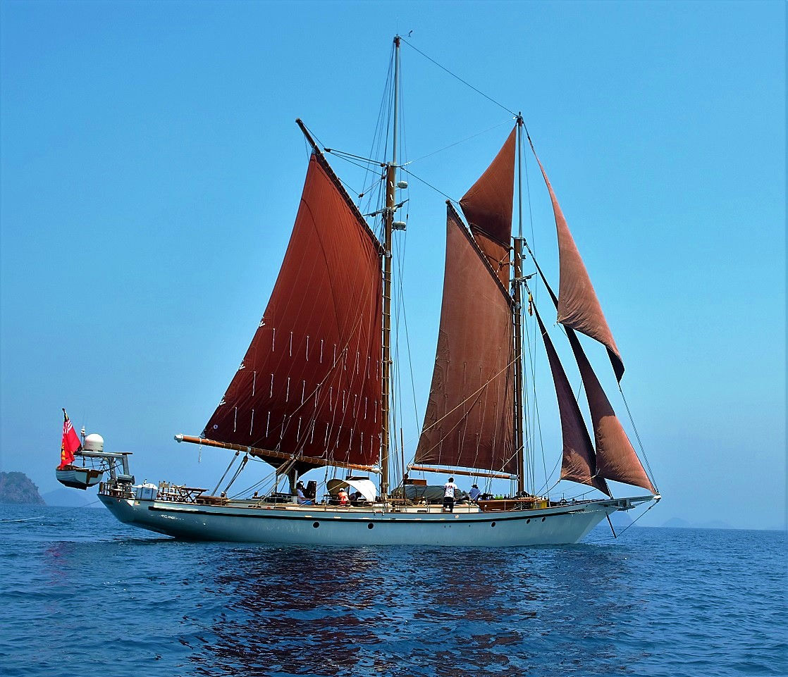 Dallinghoo_blue water and red sail charter holiday in Mergui Myanmar.jpg