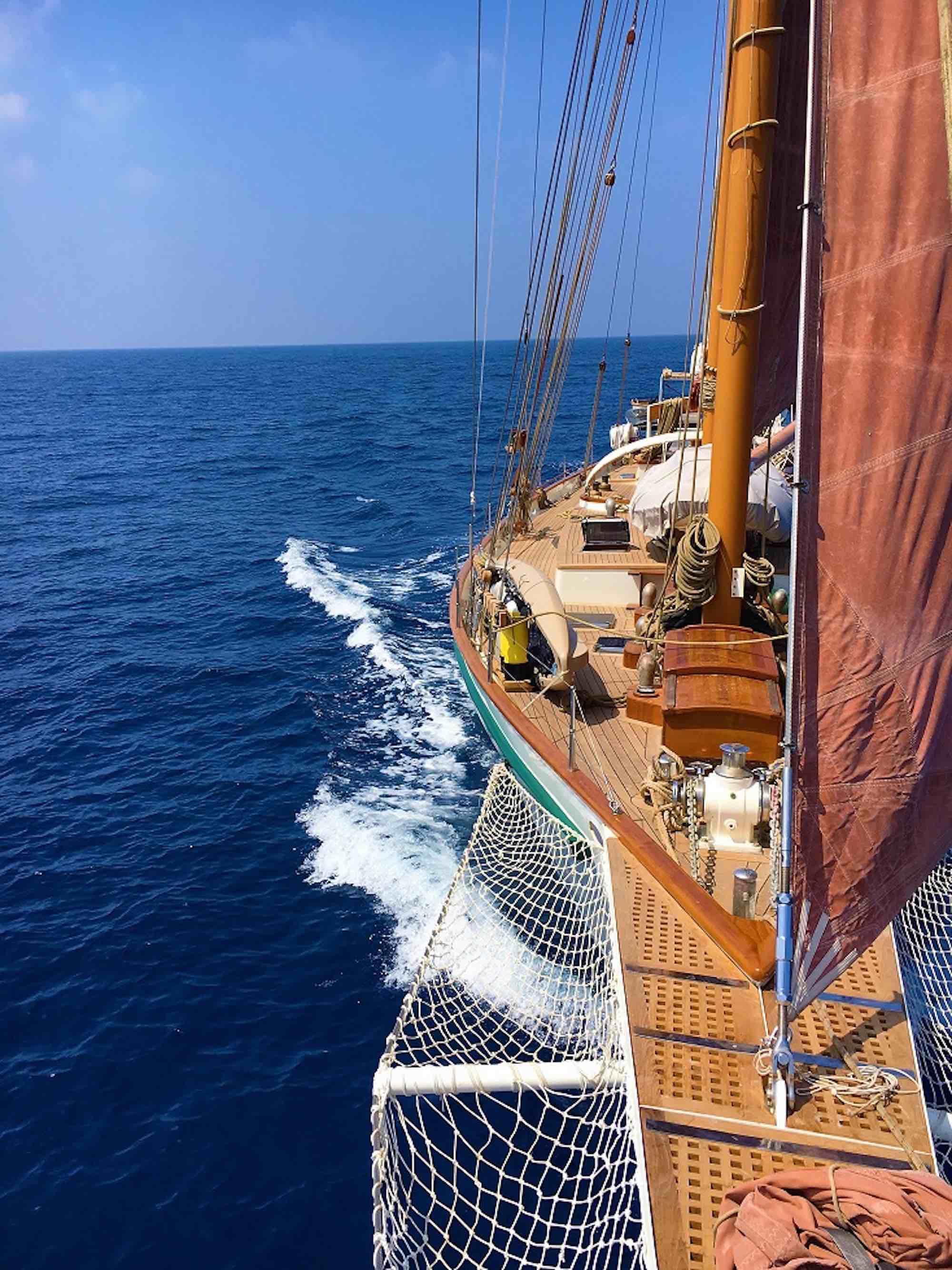 Dallinghoo_bow side sailing on deep blue waters in Mergui Archipelago_XS.jpeg
