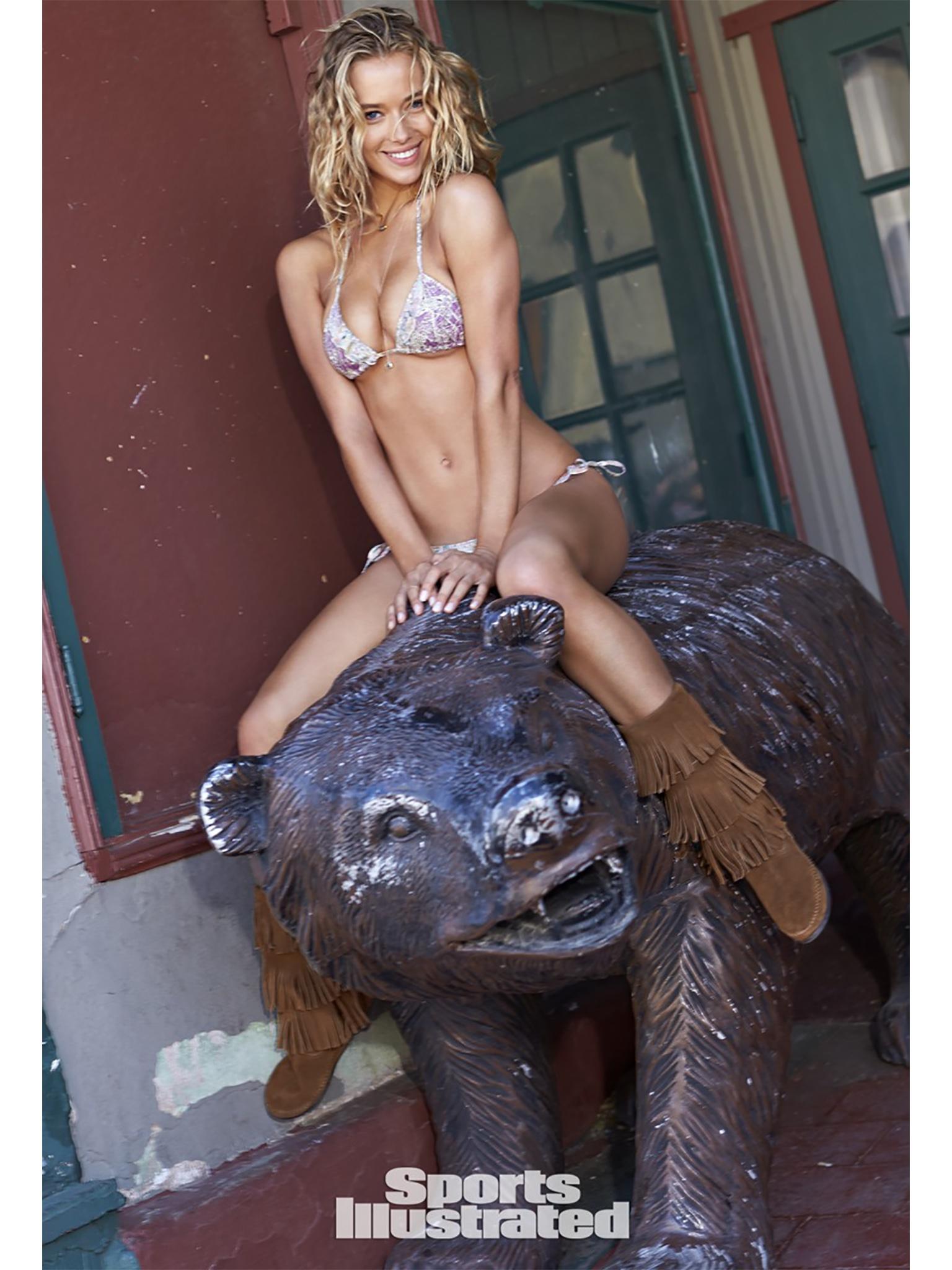 Hannah Ferguson 4.jpg