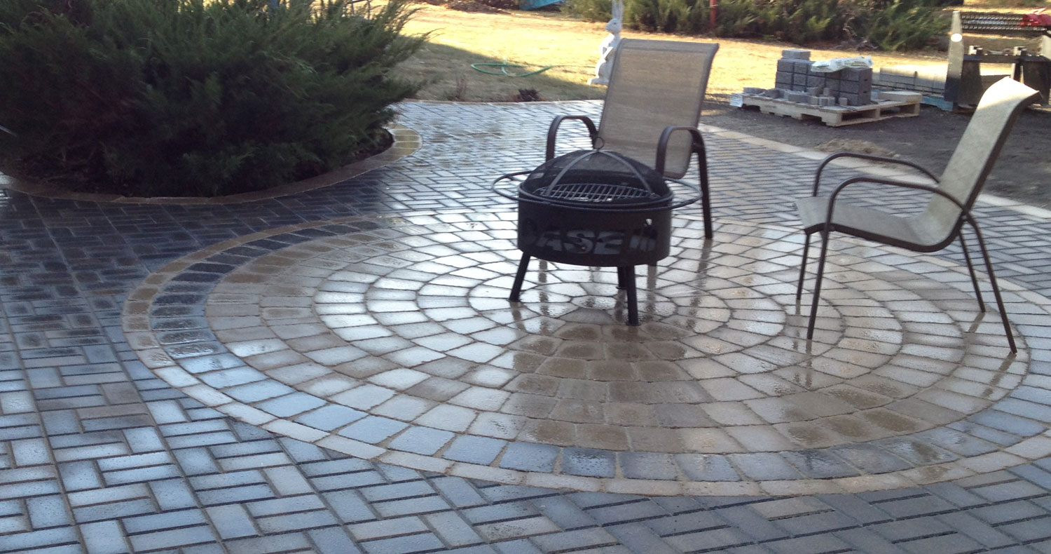 Smart_Look_Landscaping-patio-circle-chairs.jpg