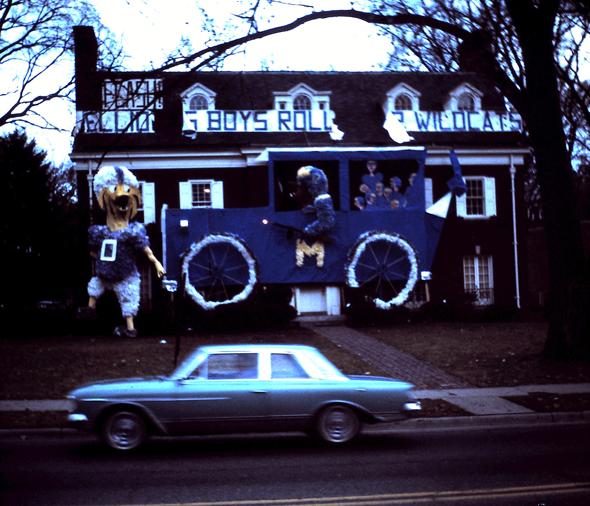 The chapter house decorated for Homecoming, 1963