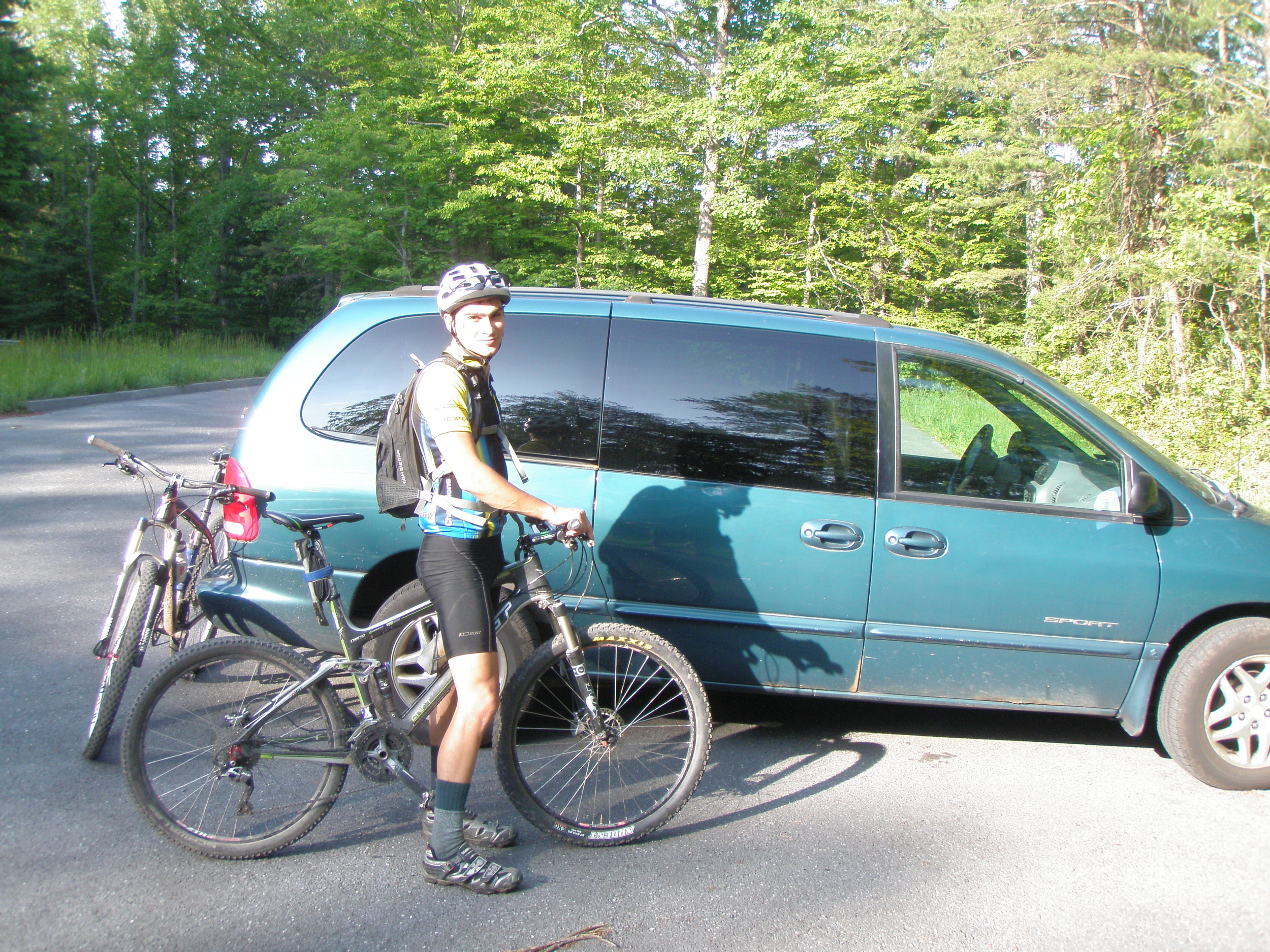 The mini van domestique, returning from the mountain bike ride the next day,