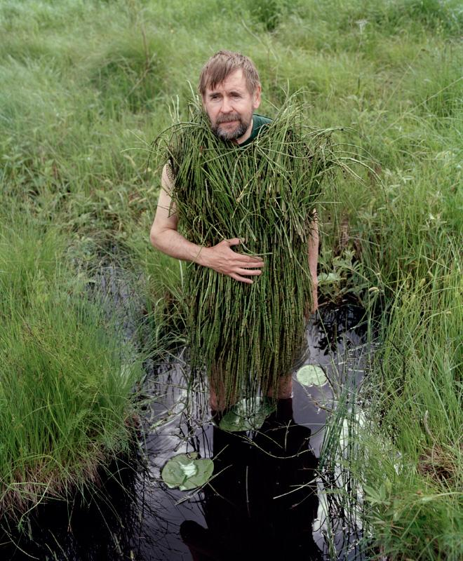 old-people-wearing-vegetation-L-1qrrrB.jpeg