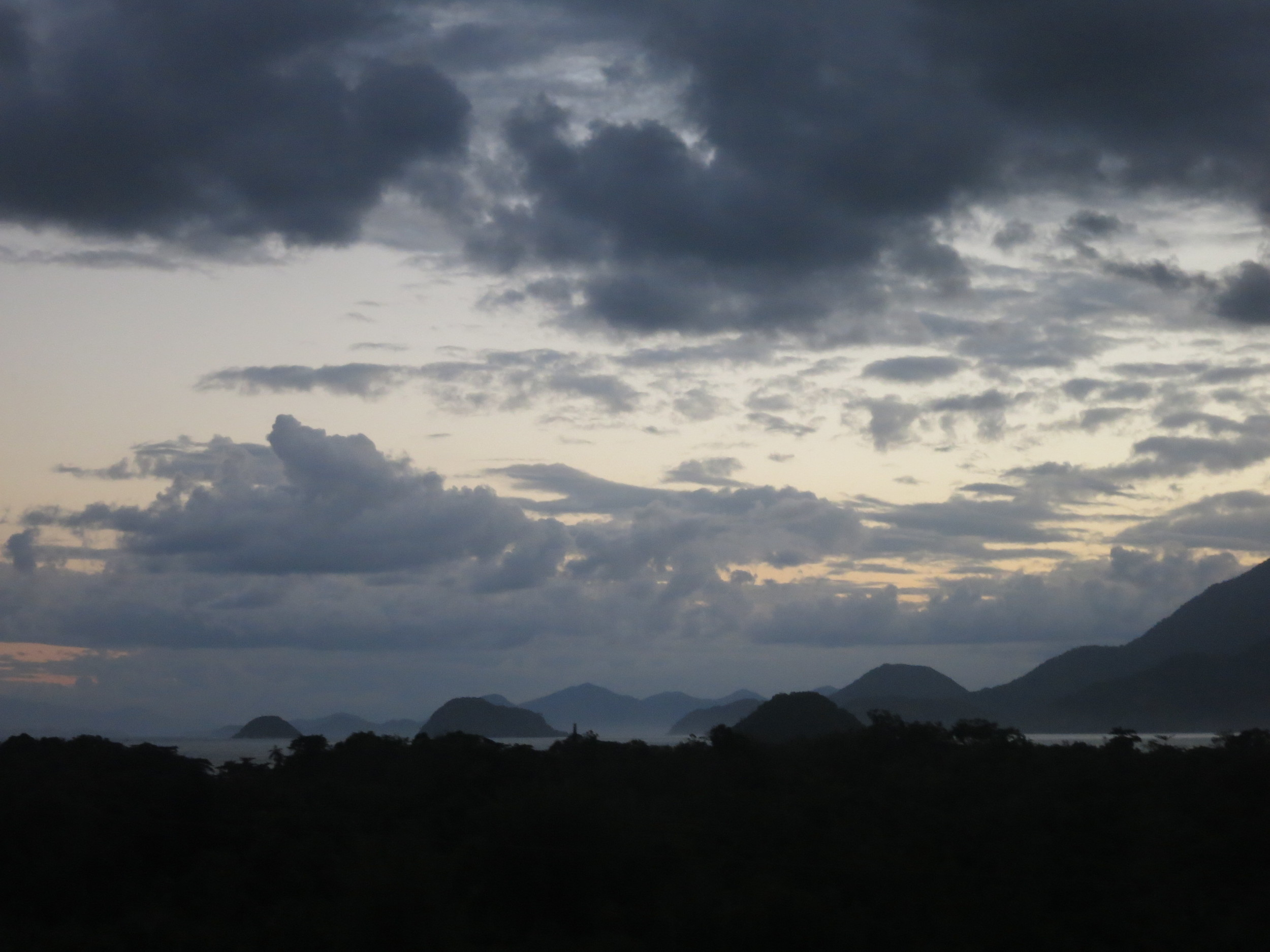 The view driving into Paraty