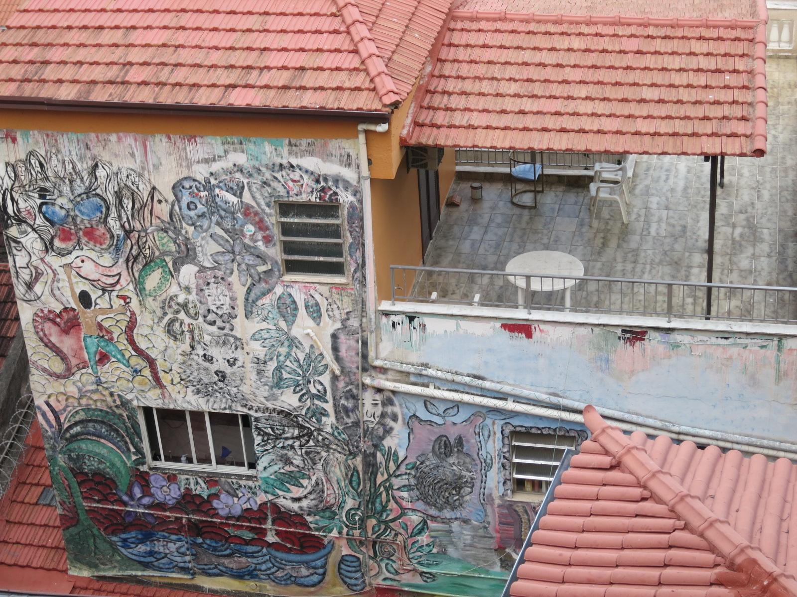 More graffiti!