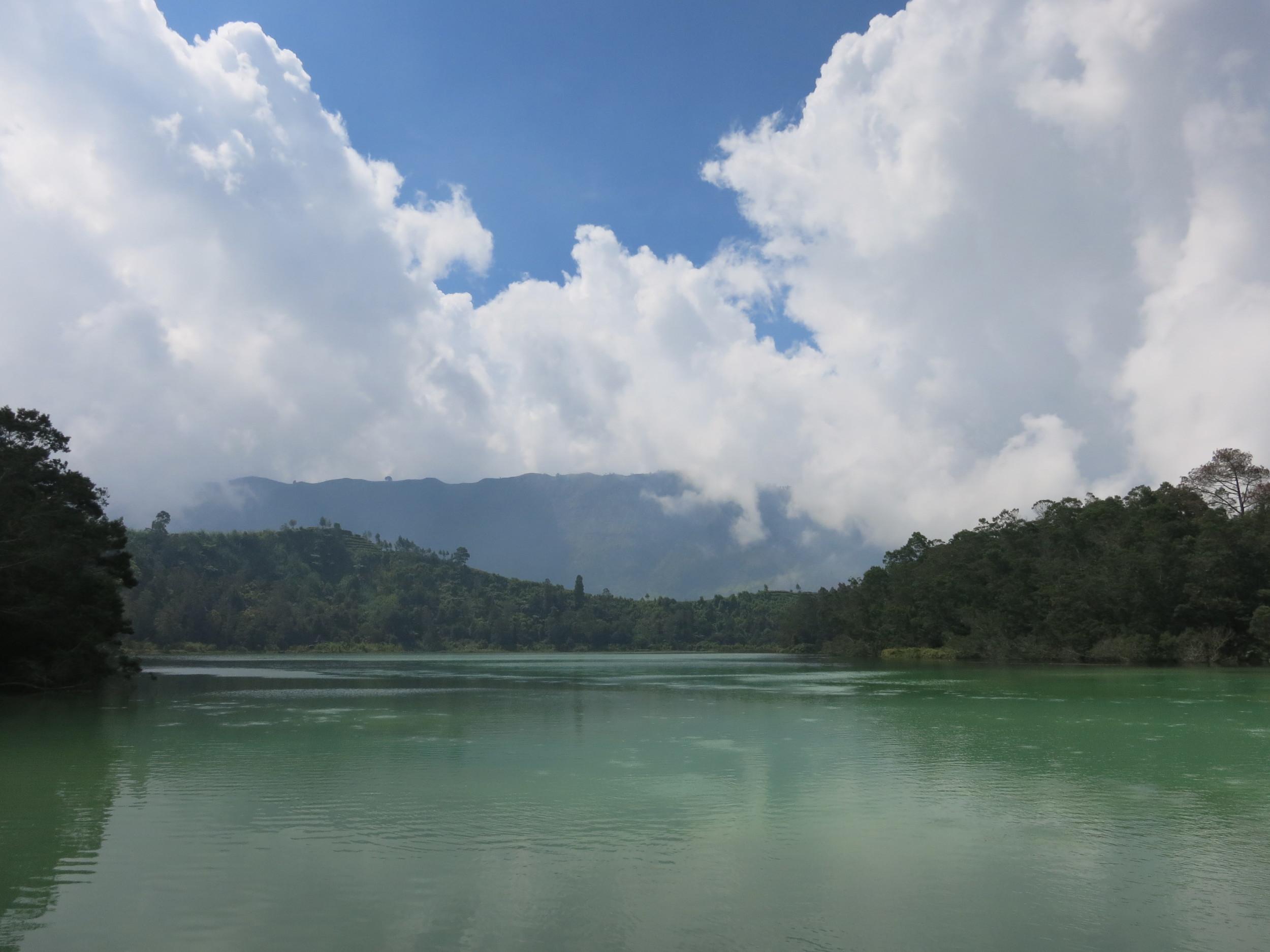 A sulfuric lake