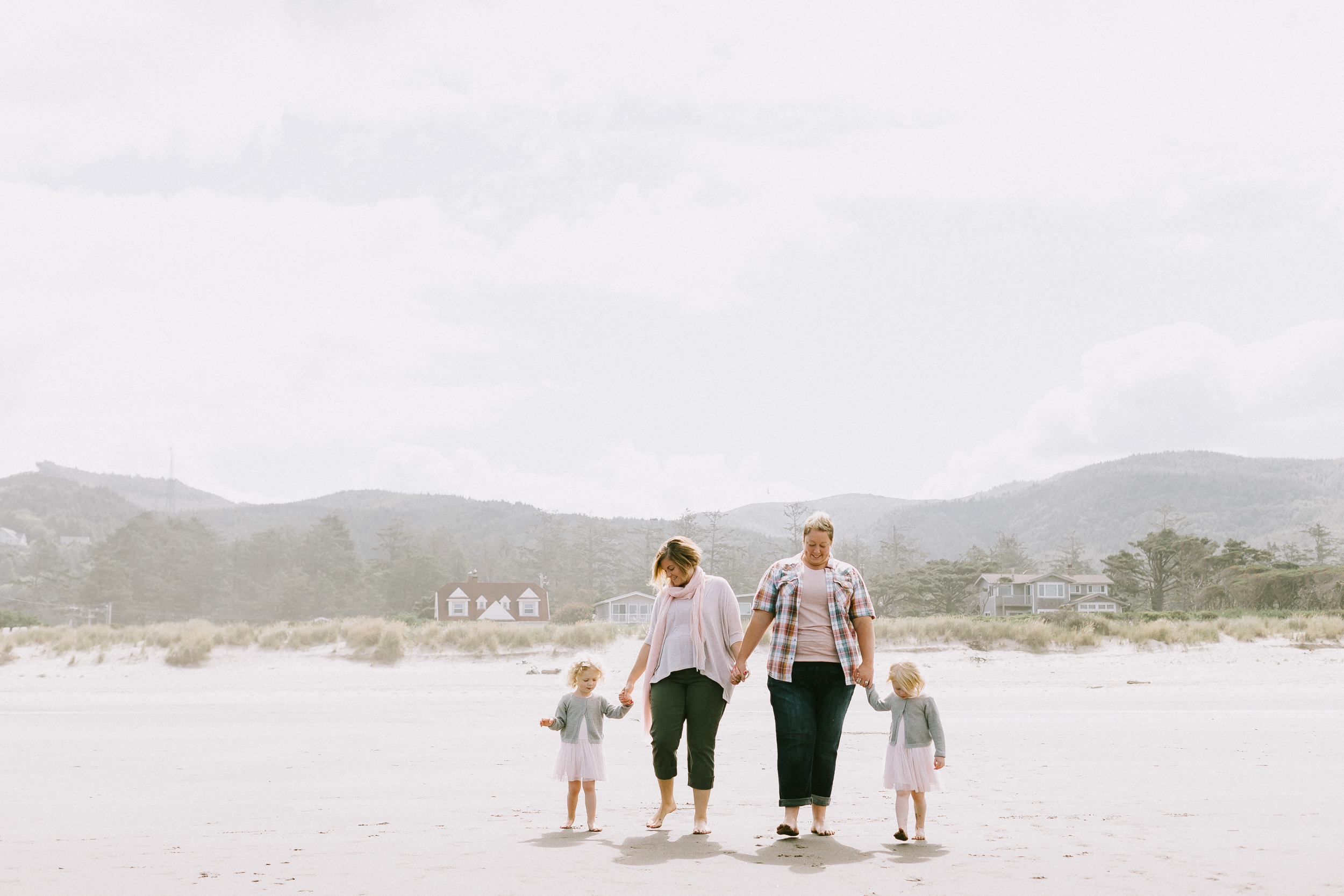 kdimoffphotography cannon beach family photographer.jpg